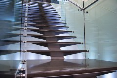 GLH_spine_stair_04