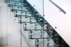 Cantilever Glass Staircase 01s