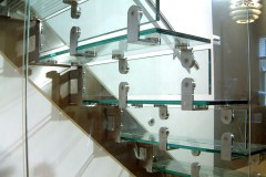Cantilever Glass Staircase 05s